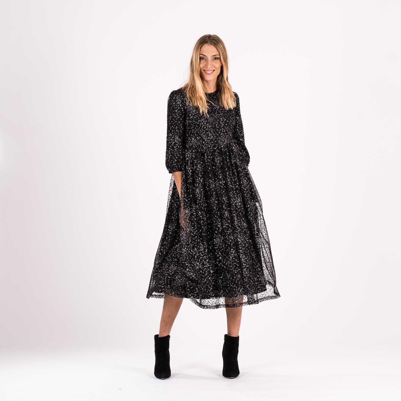 Piret Kuresaar disainitud must kleit